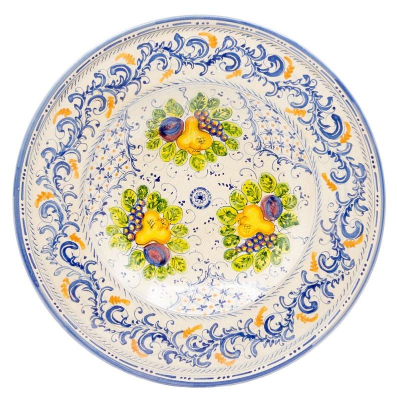 An elegant Sbigoli handmade ceramic plate