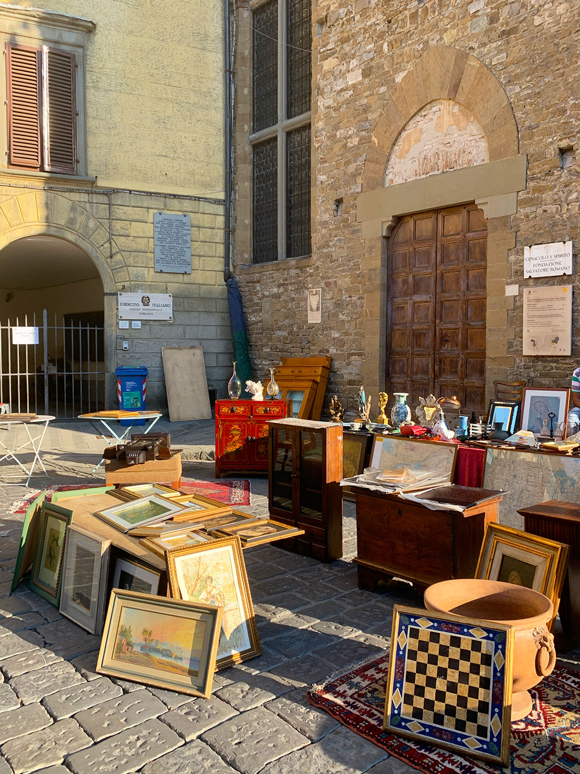 Best thrift markets in Florence, Italy for clothing