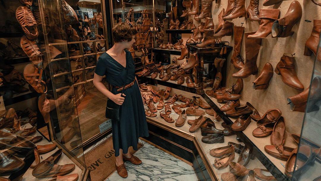 Where to Buy Leather Sandals in Florence